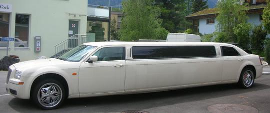 Zum Abschluss, als Schlussstrich: eine Stretch-Limousine