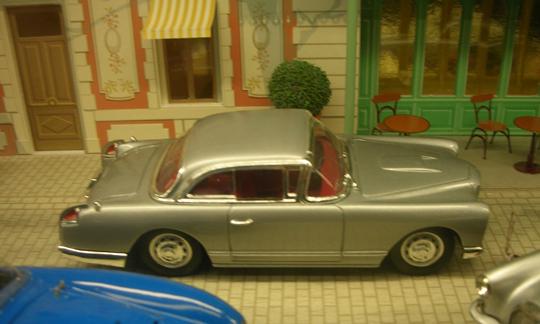 Ein Modell des Ford Facel Vega. In einem solchen verlor der Autor Albert Camus 1960 sein Leben.