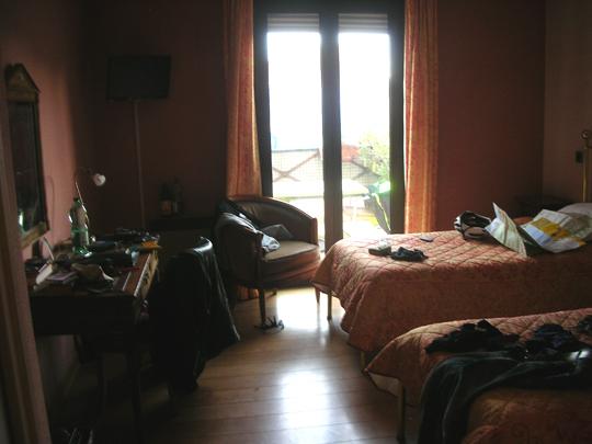 Hotelzimmer 208, innen