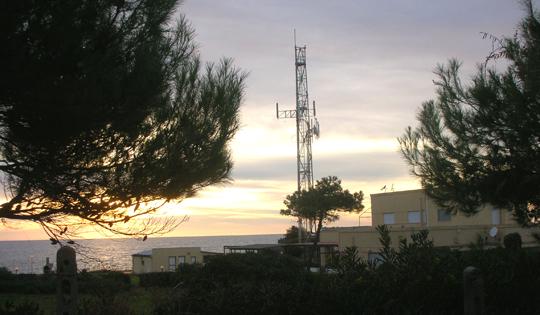 Torre Chiaruccia in Santa Marinella beziehungsweise das, was von Marconis Versuchsstation blieb.