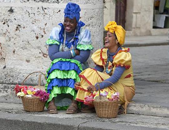 Frauen kleiden sich so. Vermutlich Kathmandu (G.Braghetti)
