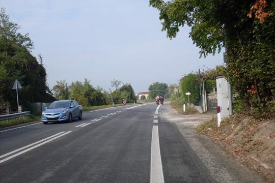 Sonntag bei Rimini: wenig Autos, viele Rennradler, Hunderte!