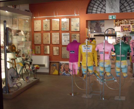 Blick ins Pantani-Museum. Er lebte von 1971 bis 2004, war einer der beliebtesten Radrennfahrer