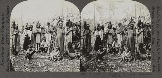 Aborigine-Camp in North Queensland, 1921 fotografiert von einem Keystone-Mitarbeiter. Dank an Library of Congress, Wash. D.C.