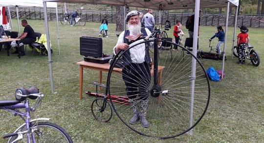 Und wie immer aktiv alsWikinger-Hochradfahrer bei einer Veranstaltung