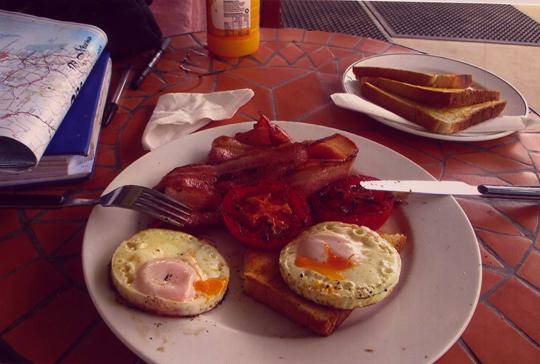 Amerikanisches Frühstück. Dann aufs Rad!