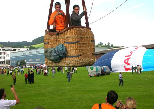 Start eines Ballons, 2007 bei St. Gallen anlässlich eines Treffens