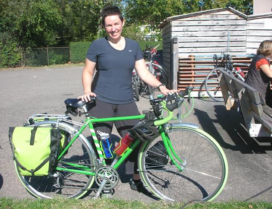 Eine irishe Touristin und ihre Rad (Breisach, 2014)