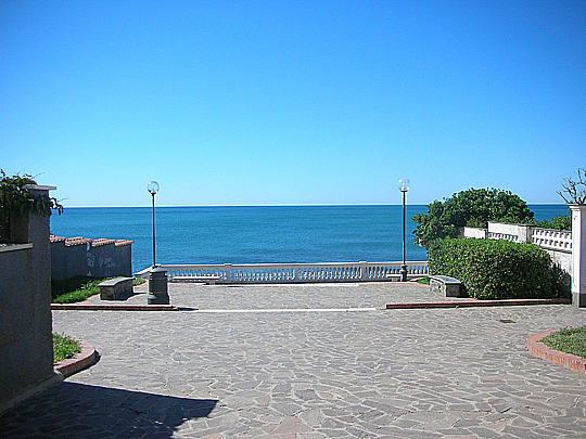 Largo Armando Padelletti, Santa Marinella