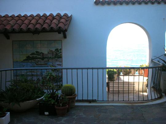 Auch das ist schön: Santa Marinella. Dahinter: das Meer