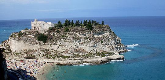 Santa Maria delle Isole, der Stadt vorgelagert