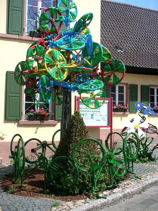 Ein Fahrrad-Maibaum, der Bayern gut anstünde!
